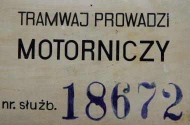 Plakietka służbowa motorniczego Ryszarda Makiewicza.
